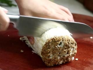 锡纸金针菇,金针菇切掉根部