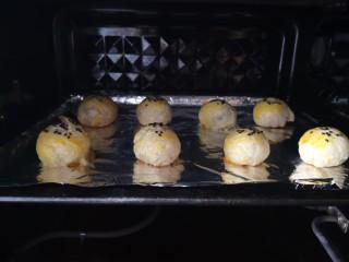 紫薯酥,紫薯酥烤好了