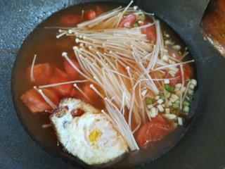 番茄米线,加入葱蒜,和煎鸡蛋