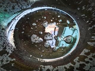西葫芦炒鸡蛋,锅中倒油加热