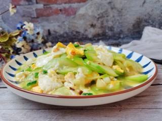 西葫芦炒鸡蛋,成品图3