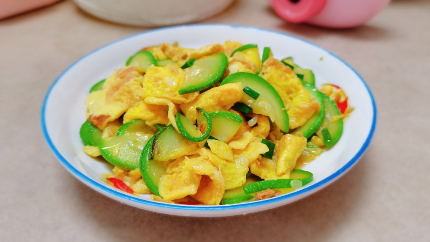 西葫芦炒鸡蛋