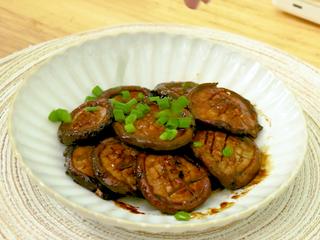 红烧香菇,最后出锅撒葱花即可