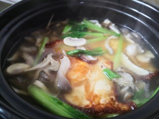 平菇鸡蛋汤,搅拌均匀即可出锅了