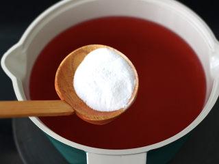 蔓越莓冻撞奶,这个时候加入白凉粉。