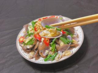 葱油花蛤,每一颗都有大蒜和香葱的味道 赞赞子