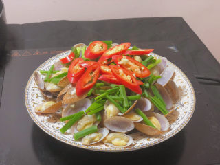 葱油花蛤,辣椒圈 (只要是配色用的 喜欢吃辣的可以换成小米椒)