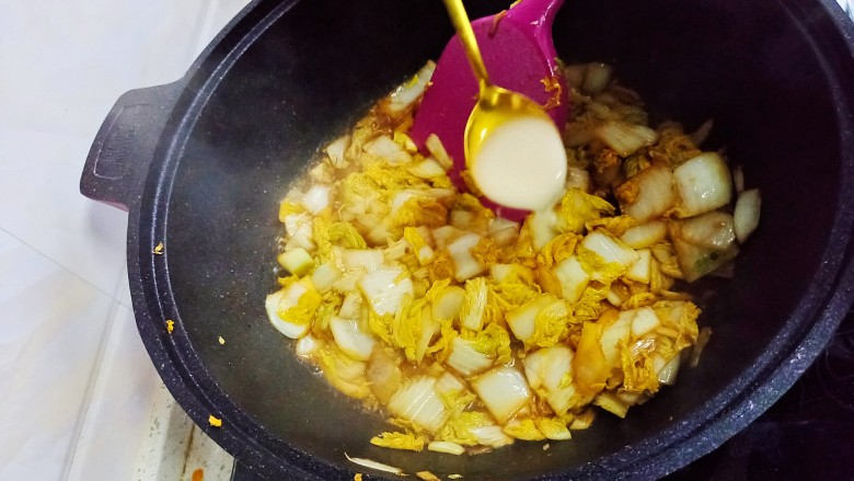 酸辣娃娃菜,在放薄薄的水淀粉