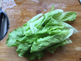 蔬菜鸡肉饼,清洗干净