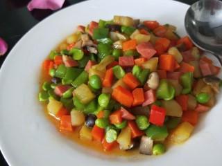 豌豆炒胡萝卜,盛盘即可享用