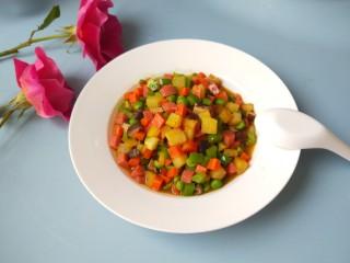 豌豆炒胡萝卜,成品图