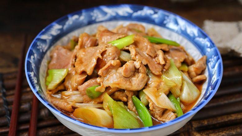 家常炒肉片,一道简单快手、美味营养的家常炒肉片就做好了,记得米饭要多煮一些哟!