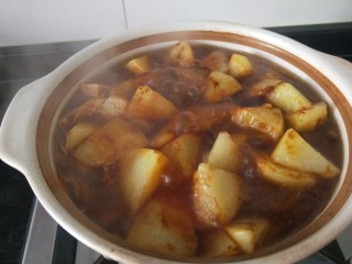 白菜煲,颜色好看。