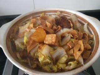 白菜煲,这样就可以出锅了