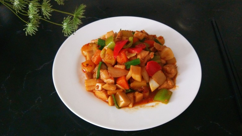 杏鲍菇炒鸡丁,,成品图