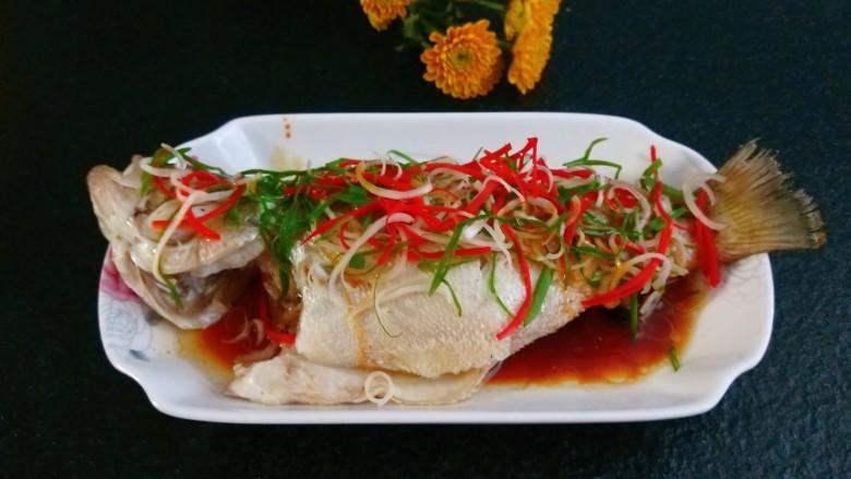 酱焖鲤鱼,酱焖鲫鱼最好吃的做法又滑又嫩。