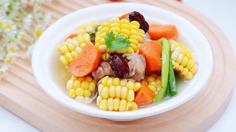 胡萝卜筒骨汤,再来一张。