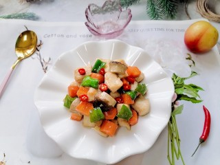 杏鲍菇炒鸡丁,拍上成品图,一道美味又营养的杏鲍菇炒鸡丁就完成了。