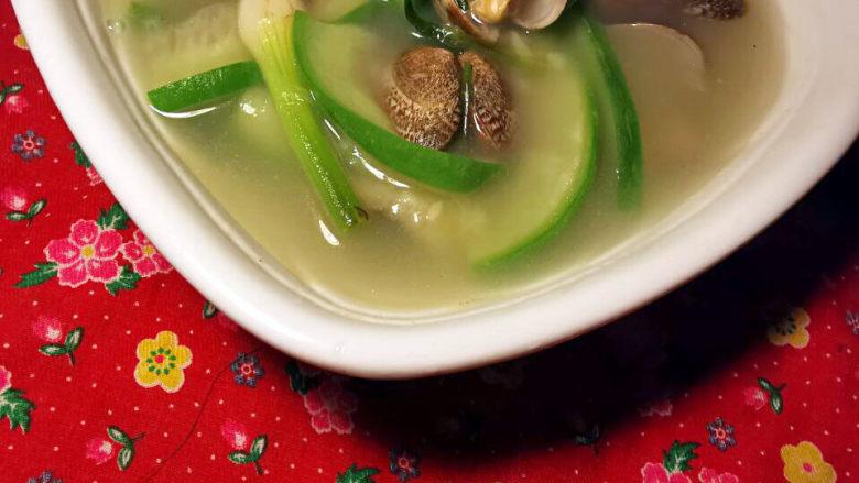 花蛤丝瓜汤,鲜甜上桌