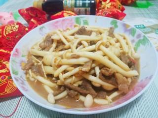 牛肉海鲜菇,美味完成。