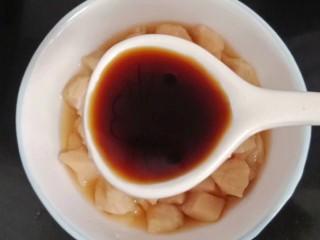 鸡丁炒毛豆米,两勺生抽
