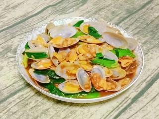 海鲜酱炒花甲,一道海鲜酱炒花甲就做好啦