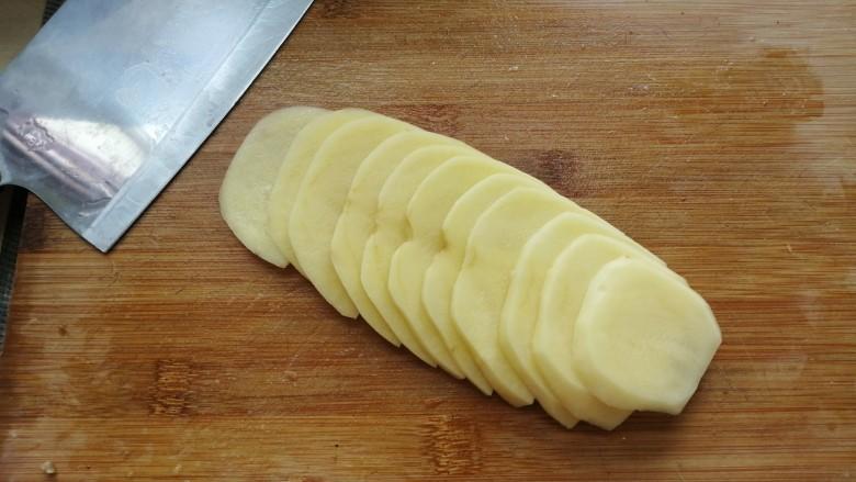 西红柿炒土豆丝,切片再切丝