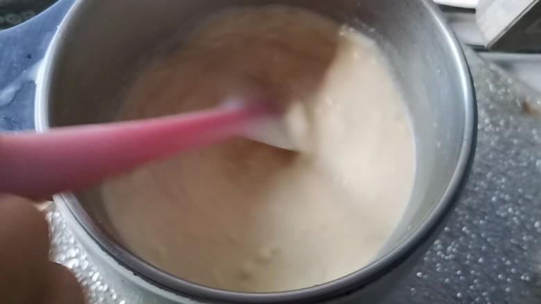 网红豆乳牛奶冰糕,开小火不停的搅拌