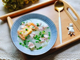 冬瓜瘦肉汤,装碗