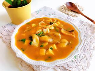 金汤鱼,色泽亮丽的金汤鱼就上桌了。