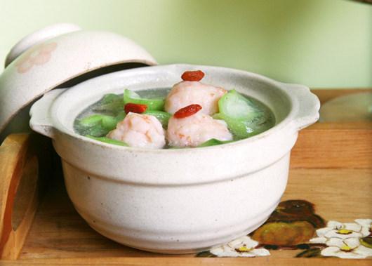 虾滑丝瓜鲜汤