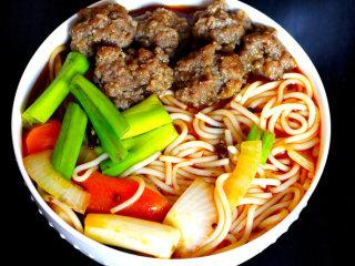 牛肉丸米粉汤