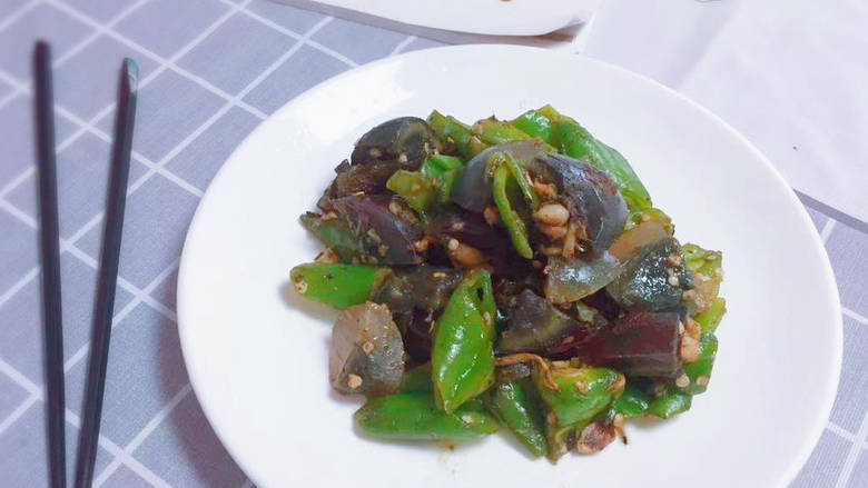 皮蛋炒青椒,成品