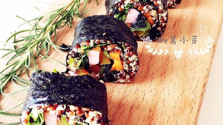 健康低卡餐-秘鲁三色藜麦寿司,配几颗小西红柿颜值就很高啦
