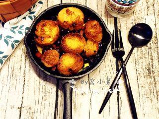 法式吐司砂锅(Casserole )-法棍混合鸡蛋液焗烤后香甜柔软,配合蓝莓火腿丁,爱上这种独特口感,我直接用了铸铁锅,成品非常可爱......
