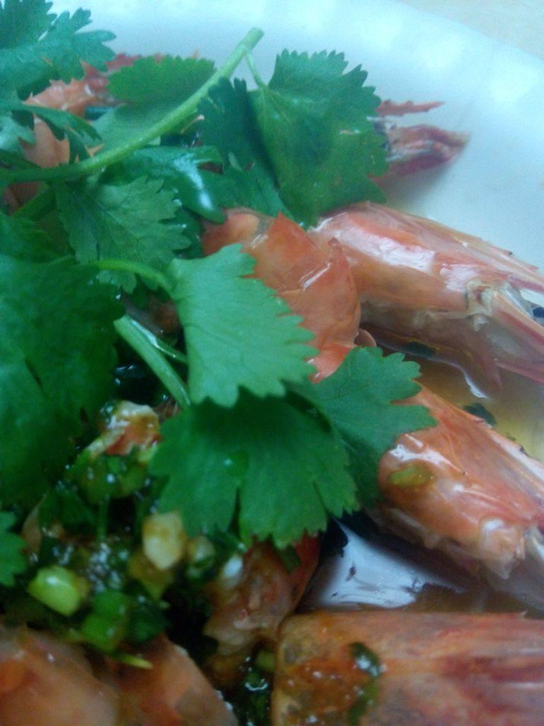 蒜泥麻油蒸草虾