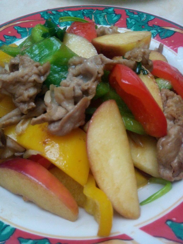 苹果炒黑豚肉