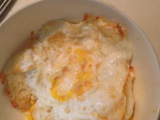 自制三明治,煎两颗鸡蛋