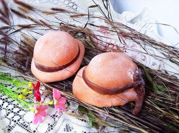 粉嫩帽子面包
