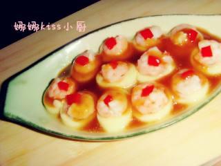 虾仁玉子豆腐,把芡汁浇在蒸好的豆腐上即可