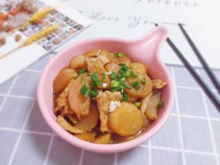 白萝卜炖猪肉,装盘