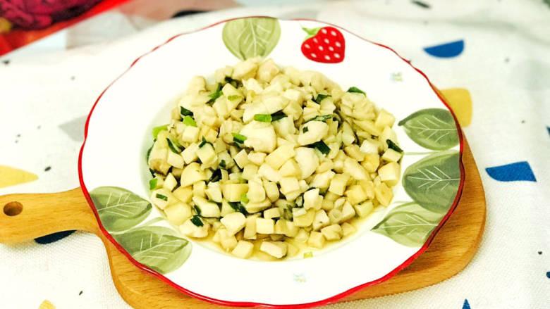 杏鲍菇炒鸡丁,美味的杏鲍菇炒鸡丁就做好了
