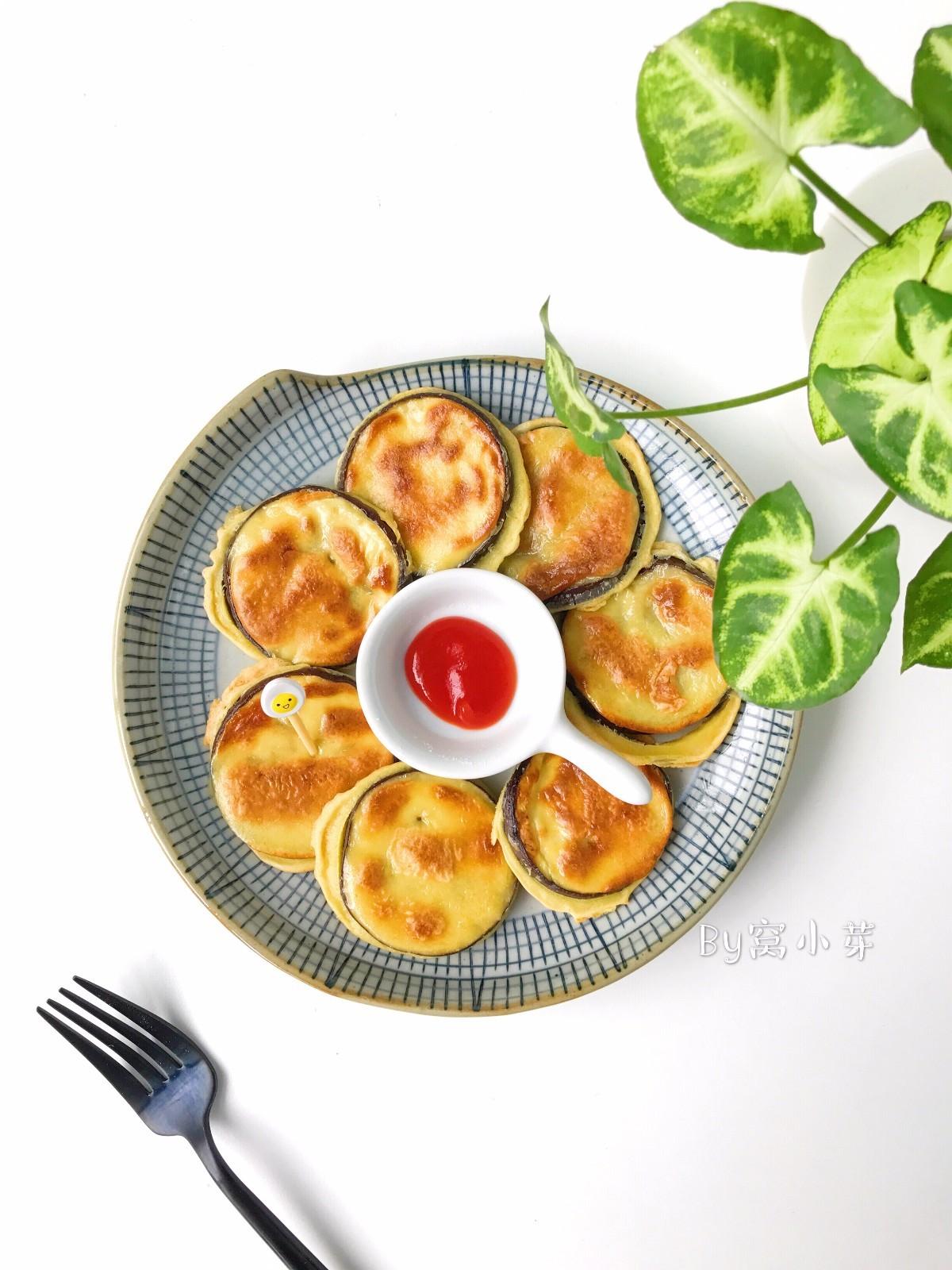 宝宝辅食:香香软嫩的茄子馍,快手美味,宝宝吃不够!12M+</p> <p>,因为只加了一点点盐,味道比较清淡的,可以搭配一点自制番茄酱。