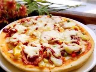 培根时蔬披萨,出炉喽。