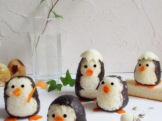 可爱的企鹅饭团,随便在哪一个企鹅头上放一顶鸡蛋当帽子