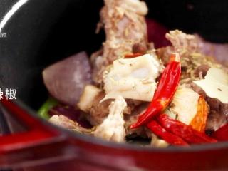 酱香羊蝎子-美颜补钙身体棒,适量干辣椒