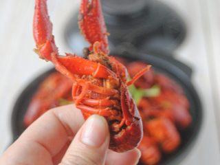 麻辣小龙虾,出锅前放入香菜葱花