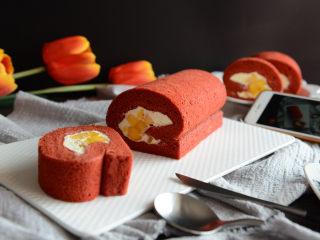 红丝绒蛋糕卷,成品图。