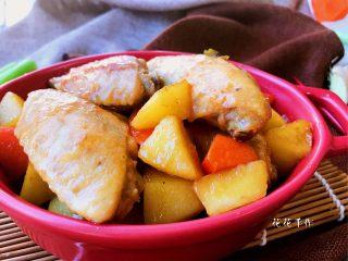 干锅土豆鸡翅,来个近照。