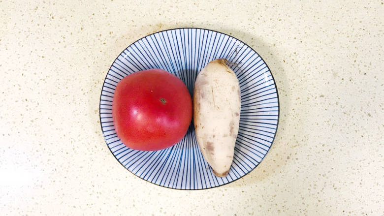 番茄藕丁,准备好食材